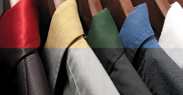 Az angol királyi udvartól a plázákig színesben is férfiasan